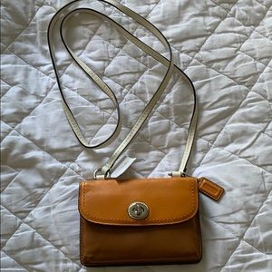 NEW COACH LEATHER CROSS BODY. BAG